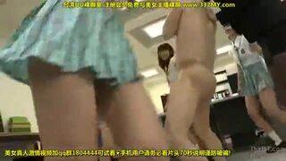 ドSな制服姿のJKギャルの、M男調教無料エロ動画。【JK、ギャル、女子校生動画】