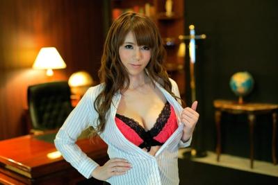 小泉真希 20-02-11 美痴女 神乳上司淫語調教 002