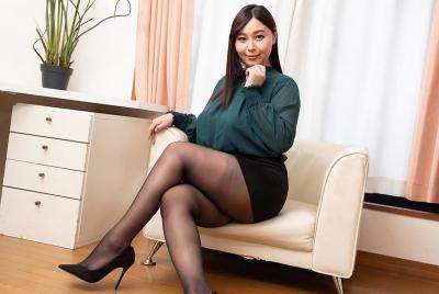 小川桃果 20-03-20 ぽっちゃり巨乳女教師密室汚す 001