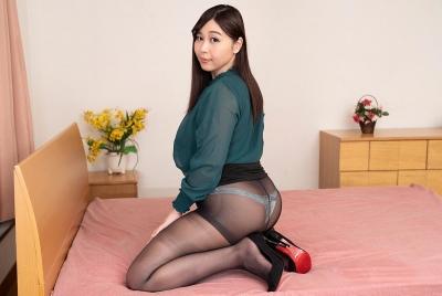 小川桃果 20-03-20 ぽっちゃり巨乳女教師密室汚す 002