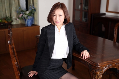 HITOMI 20-05-05 美痴女 001