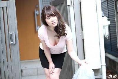 岡村香澄 20-05-28 朝ゴミ出しノーブラ奥さん 003