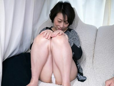 【熟女ナンパ】マシュマロおっぱいの真面目なおばちゃんがご無沙汰チンポを濃厚フェラでエロエロに精子を搾り取る!