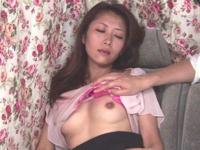 【熟女ナンパ】40代美魔女人妻が敏感美乳おっぱいを刺激され絶頂アクメ!ホテル連れ込み浮気するエロエロ不倫セックス!
