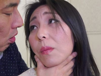【熟女ナンパ】黒髪美魔女が清楚な見た目に反して自分でアナルを広げたり肉棒を喉奥まで咥える淫乱エロエロセックス‼