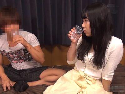 【連れ込み】黒髪清楚なGカップエロエロおっぱいの美少女JDが飲み会後自宅にお持ち帰りされ盗撮隠し撮りされたエロエロ映像!