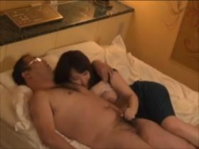 【素人隠し撮り】ホテルでサービスされるデリヘルの様子を3組分隠撮まとめ‼ってかデリヘル嬢みんな可愛すぎないか!?