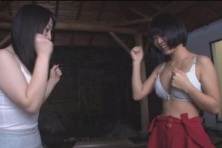 箱根でデート中の素人カップルが対戦!勝ったら賞金100万円、負けたら彼氏の前で連続中出しの罰ゲーム!
