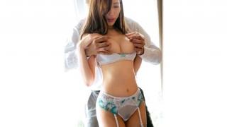 【ラグジュTV】飯倉優里28歳カーディーラー受付誰もが見惚れてしまう美貌の持ち主の優里さん初体験は大学4年生と遅咲きで経験も少ないそう