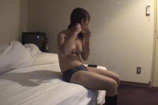 【無修正 個人撮影】円光動画っぽいです!! 巨乳の女子校生がホテルでガッツリとハメられてます||