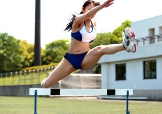 《アスリート》100mハードル全国大会入賞、体育会系爆乳女子大生の汗が飛び散る劇FUCK
