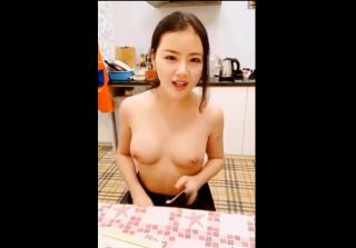 【無修正 ライブチャット】この中国の女の子、顔とおっぱいは綺麗だけど・・・なぜか魅力を感じない||