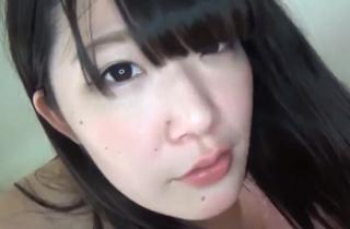 【無修正素人】ごくごく普通の小娘!!毛が無い女子のハメ撮り映像・・・けっこう可愛いおっぱいやん