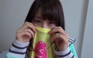 【個人撮影】JK美少女高校生にしか見えないキュートな可愛すぎの服を脱がせて口愛撫させちゃいました