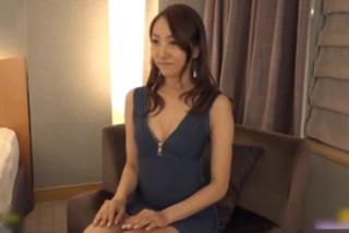 【素人】目元のホクロが色っぽい!!!セレブな大人の女とホテルでハメ撮り