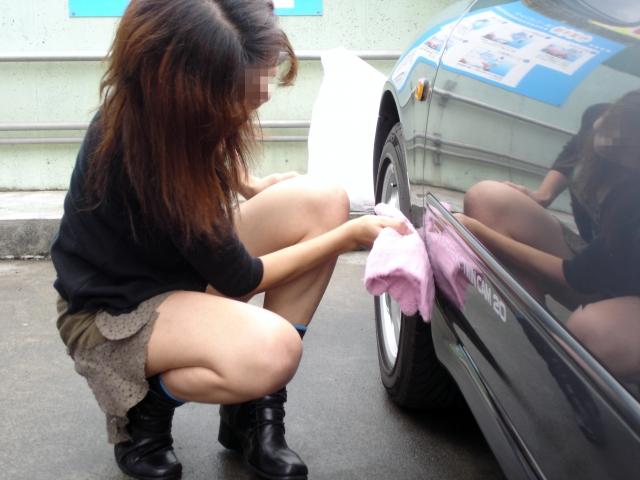 43 夫婦で洗車 02表