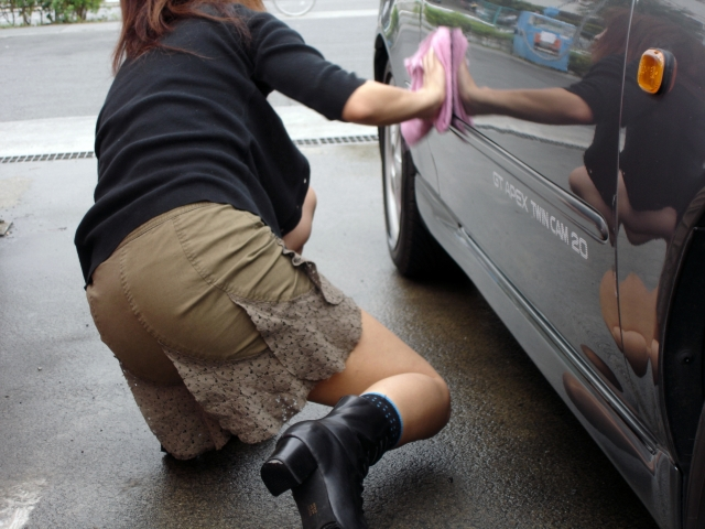 43 夫婦で洗車 05共