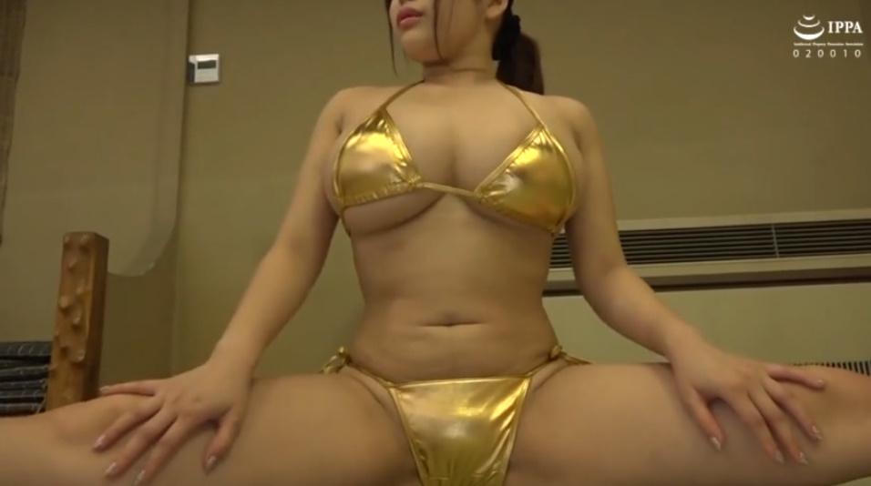 黄金ビキニの爆乳お姉さん!格闘技の体験に行ったら犯されちゃった!