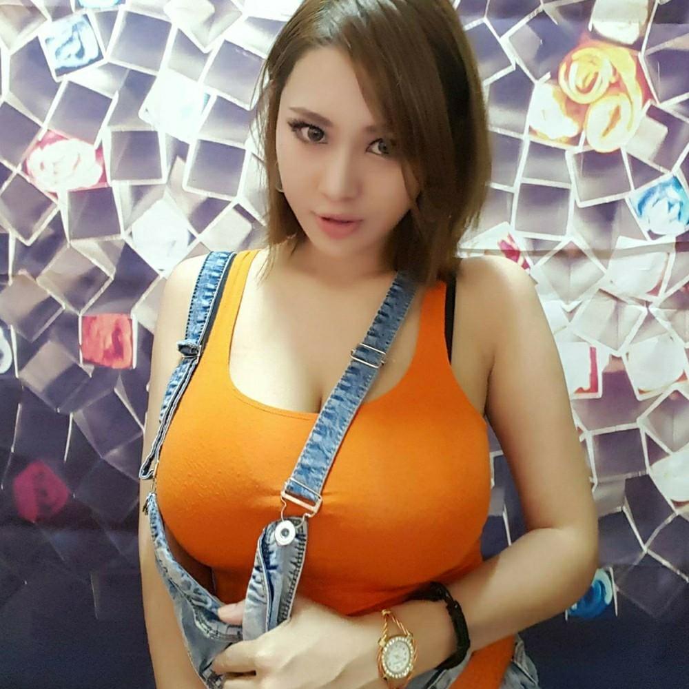 乳の暴力 25