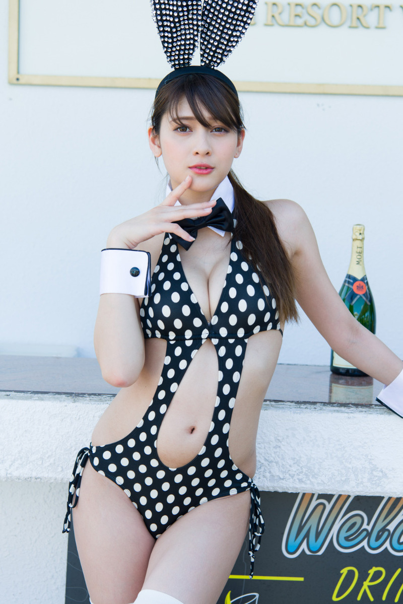 アンジェラ芽衣 13