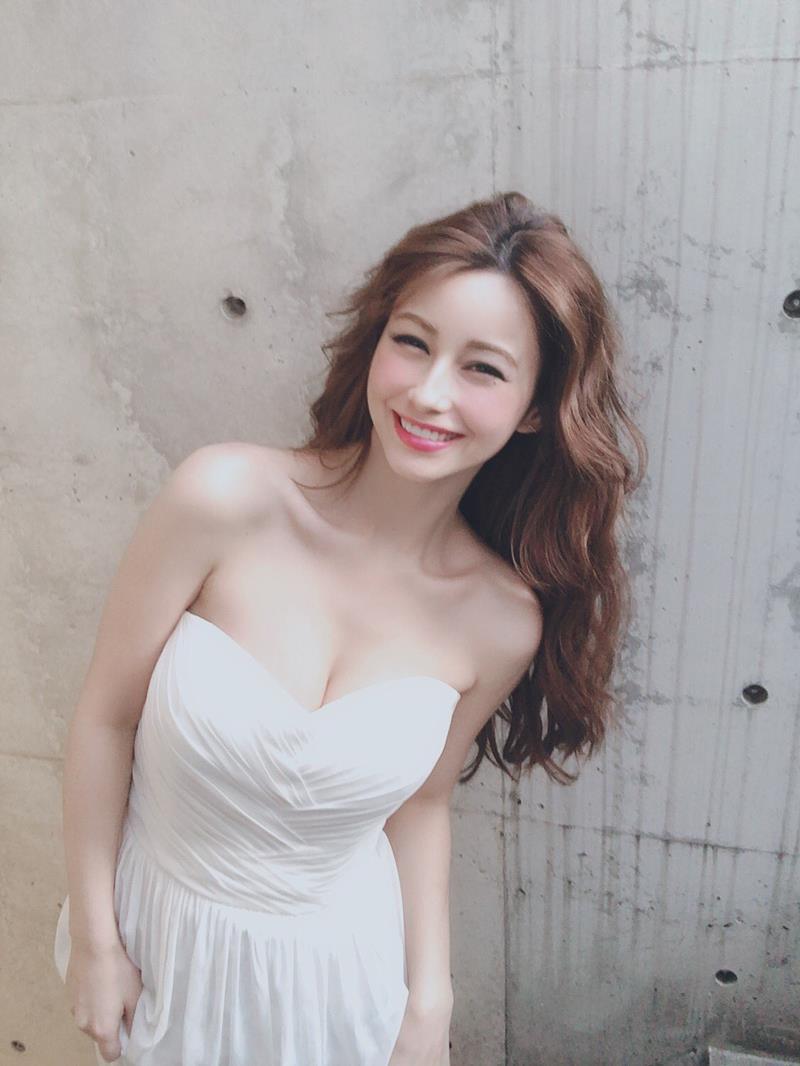 ダレノガレ明美 48