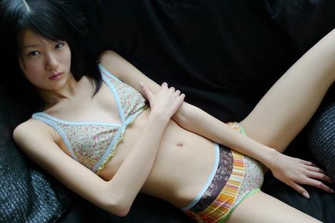 細い女 29