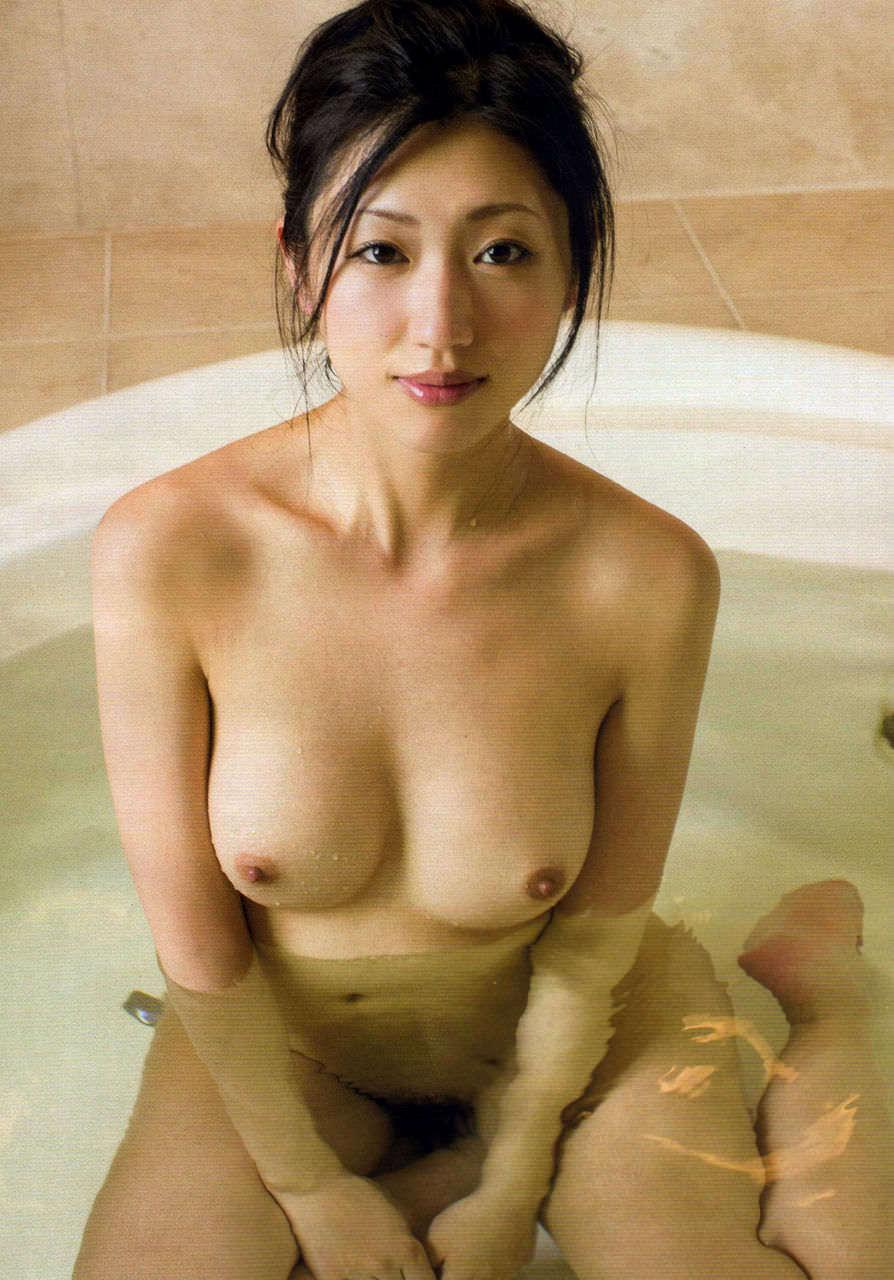 アダルト画像3次元 - お浴室に入って寛いでるかわいい小娘の入浴画像第二弾:にゅーえろ 様