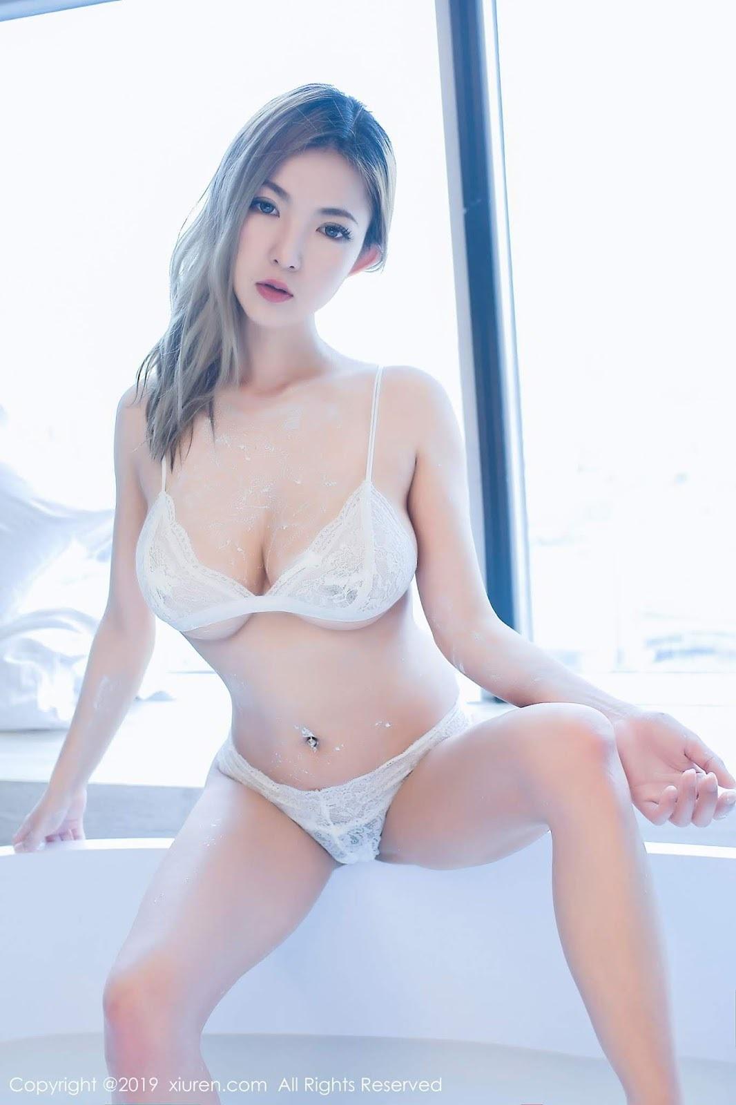 M字開脚 14