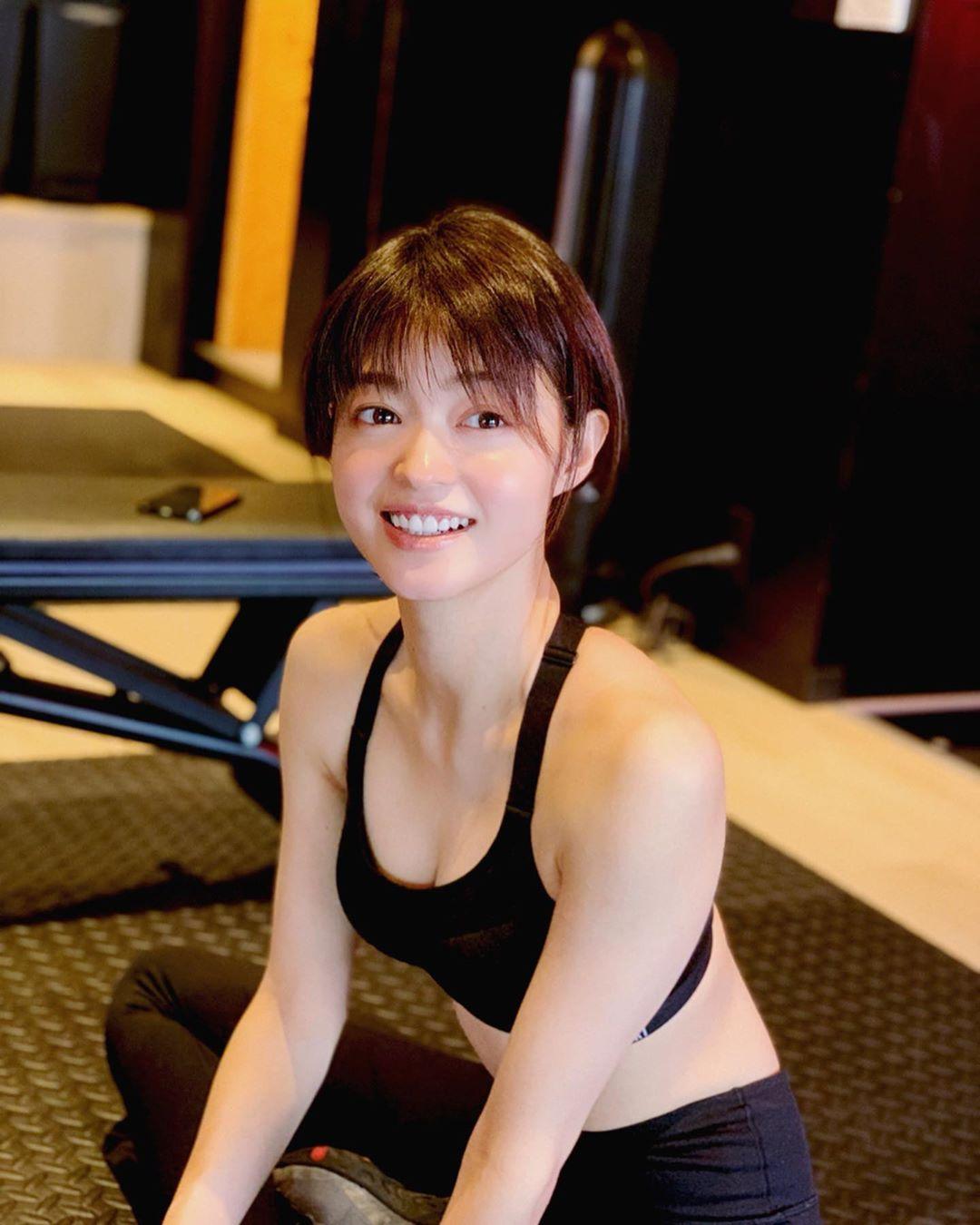 小林涼子 6
