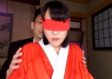 【VR】目隠しされた浴衣コスプレの羽生ありさ