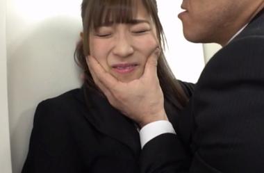 上司にセクハラされるOL(制服)コスプレの栄川乃亜
