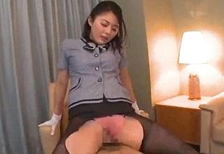 【大杜若羽】天才的騎乗位お姉さん発掘Debut
