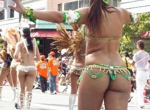 【エロネタ本舗推薦】超過激な衣装で踊り狂う日本のサンバイベントが激エロwww