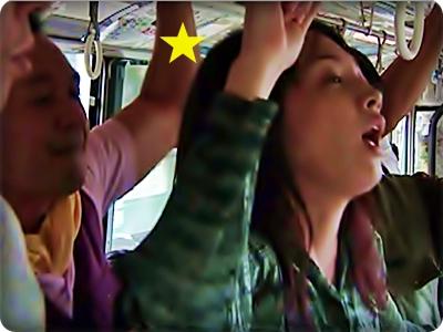 【ドラマ/ヘンリー塚本】通勤バスにノーパンで乗車してヤラレたい変態痴女たち||