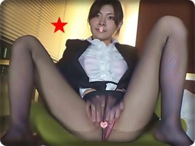 【無修正素人・個撮】パンストで蒸れた狭膣マ●コのJDを激突き悶絶中出し!