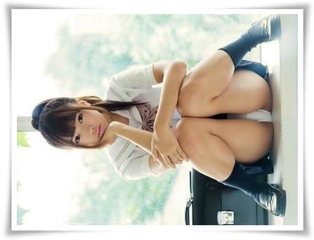 【画像/パンチラ・ふともも編】女子校生が気軽に股を開いてるエロ画像 part4