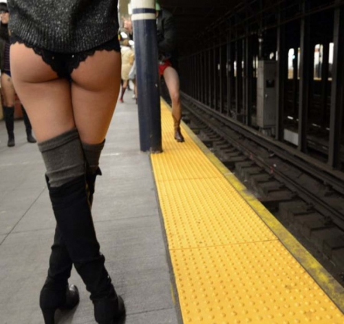 no-pants-day-subway-panty-marudashi-ero-128.jpg
