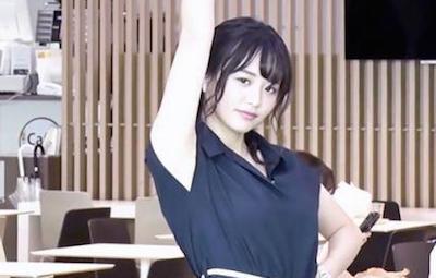 【GIF画像】テレ東・森香澄アナのたわわに実ったお●ぱいをご堪能下さい