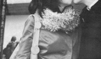 【画像】佳子さん、噂の交際相手との熱いキスを撮られてしまう…