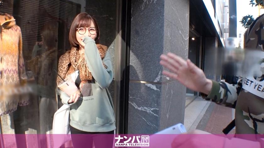 マジ軟派、初撮。 1426 新宿で土下座までしてナンパした顔もスタイルも超S級の美女♪「イヤよイヤよ」と言いながらもアソコはビッショビショ♪漏れ出す声が超エロく、ハードピストンで理性崩壊♪