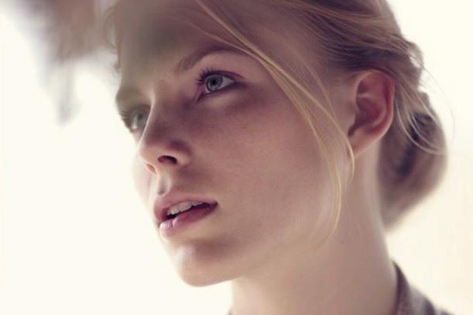 美しくてエロティック…ヨーロッパの美少女のポートレート画像