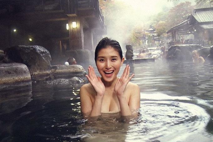 橋本マナミの温泉入浴がエロすぎ…。
