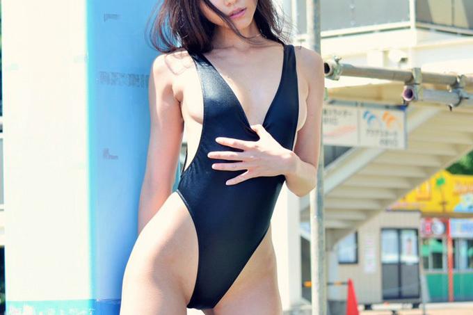 エロくて興奮したのでそのままハメていいですか…競泳水着エロ画像
