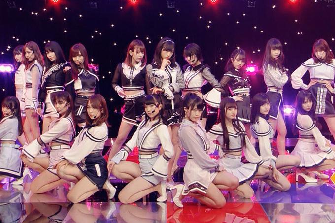 AKB48の新曲衣装がエッチ過ぎ。
