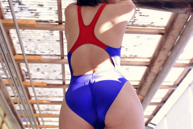 競技用だけどやたらエロい…競泳水着エロ画像