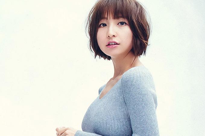 篠田麻里子 アイドル時代と変わらぬ美貌とスタイルと。