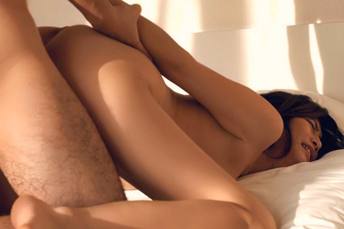 後ろから子宮突かれてイク…後背位セックスエロ画像