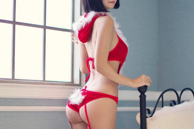 クリスマスにプレゼント要らないから姿を見せてほしいドスケベサンタエロ画像