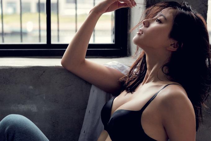 朝比奈彩 カリスマモデルのパーフェクトボディ