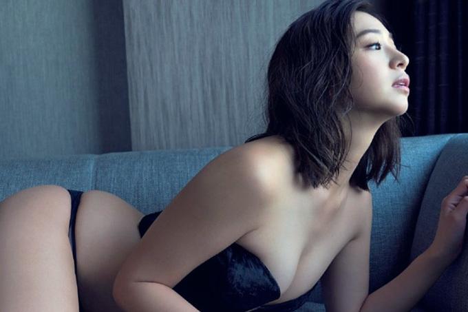 佐山彩香 極上にNUDYな肢体。
